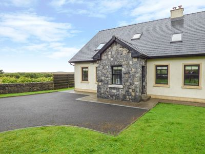 Photo for 5BR Cottage Vacation Rental in Lisdoonvarna