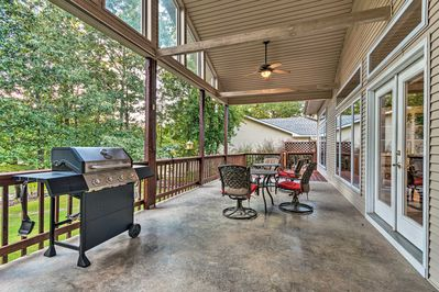 Explore the Hot Springs area from this gorgeous vacation rental.
