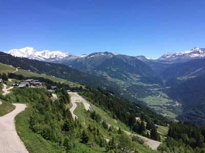 Photo for At the foot of the slopes - Large 4 bedroom duplex with panoramic view of Mont Blanc