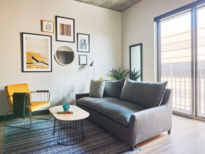 Photo for Sonder | Mill Ave | Warm 1BR + Laundry