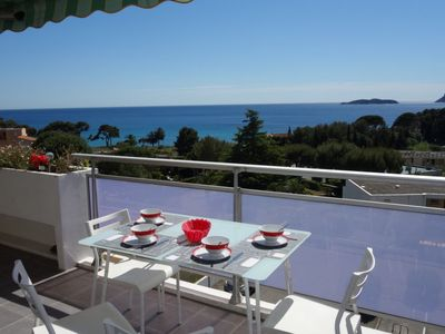 Photo for 2 bedroom Apartment, sleeps 4 with WiFi and Walk to Beach & Shops