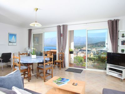 Photo for Luxurious, Central & Spacious 1 Bed Apartment With Terrace - Stunning Views!