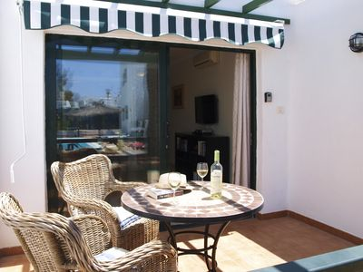 Photo for Modern, spacious apartment with Wifi, Air Con and U.K. TV in Puerto Del Carmen