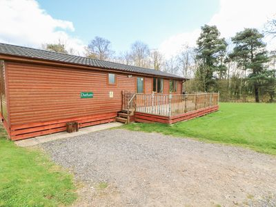 Photo for DURHAM LODGE, pet friendly, with hot tub in Kiplin, Ref 27296