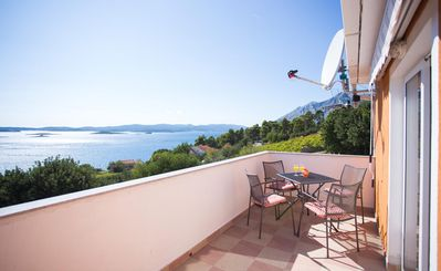 Photo for One bedroom apartment with terrace and sea view Mokalo, Pelješac (A-639-a)