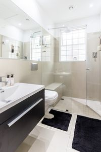 Photo for 2BR Apartment Vacation Rental in Sea Point, WC