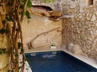 Recently renovated traditional Majorcan terrace house very near centre of Campanet