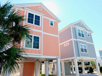 Photo for 4 Bedroom/3 Bath Cottage facing Ocean Blvd - steps from beach!