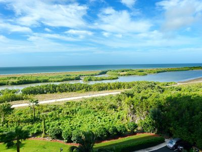 Photo for Alluring beachfront condo w/ heated pool & dazzling view of lagoons