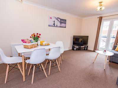 Photo for Comfort+ 2 bed serviced apartment, Hampton