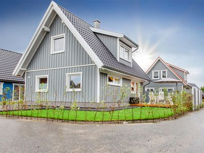 Photo for Luxury holiday home in Sweden style with sauna, whirlpool, fireplace, garden