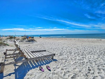 ENDLESS SUMMER!  DIRECT GULF FRONT COTTAGE STYLE PROPERTY! UPDATED!