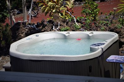 Hot tub seen from lanai
