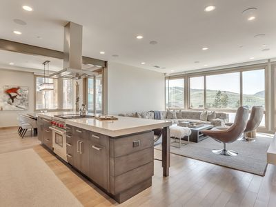 Photo for Elegant 4Br/4.5Ba Condo with Hot Tub