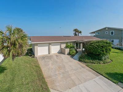 "Photo for ""Beachy Bungalow"" is a cozy, casual beach house, just minutes from St Augustine"