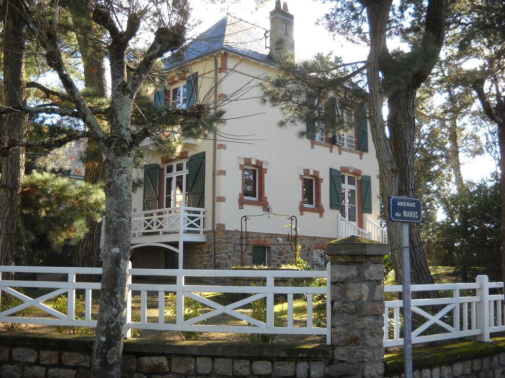 Awesome Property Image#3 Family House 200m From A Great Beach Lifeguard, Shops On  Foot