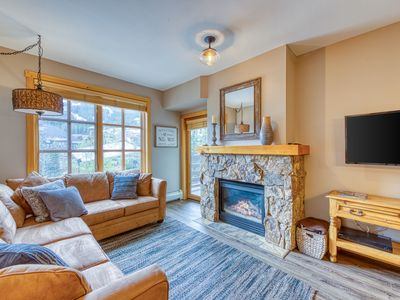 Photo for Ski-view condo w/shared hot tub/fitness room-walk to lifts & dining