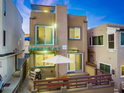 Photo for ☀️Modern Single Family 🏝 AC + Rooftop Deck + Private Patio!