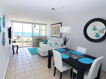 #10 Spectacular Beachfront 2 Bedroom / 2 Bathroom Apartment suited for 4 guests