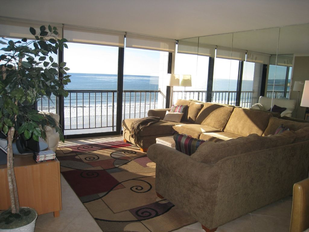 living room with white water ocean views - The Living Room San Diego
