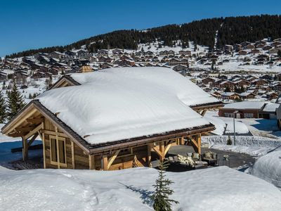Photo for Chalet B Luxury Chalet on the ski slopes with Sauna and Jacuzzi