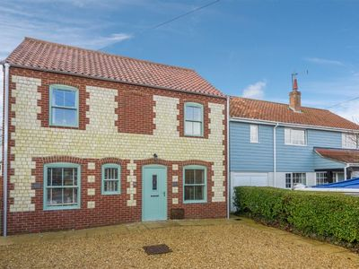 Photo for A lovely modern cottage, beautifully presented and offering open-plan living in the village of Branc