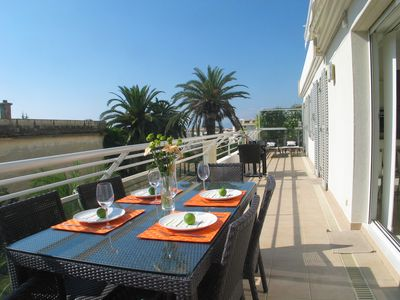 Photo for Large and luxurious holiday apartment with swimming pool in Juan-les-Pins