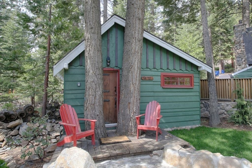 Property Image#14 Main House And 3 Cabins, Short Drive To Lake, Two