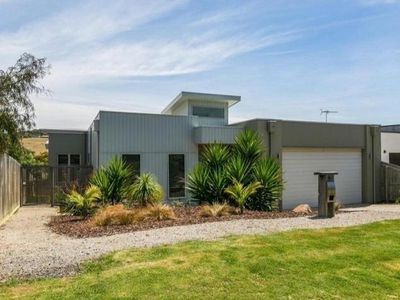 Photo for Rincon Holiday Home Torquay - New Modern home