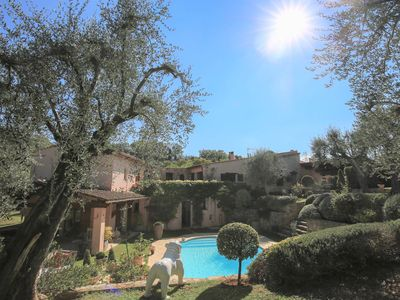 Photo for Charming villa 5 minutes walk to Valbonne village