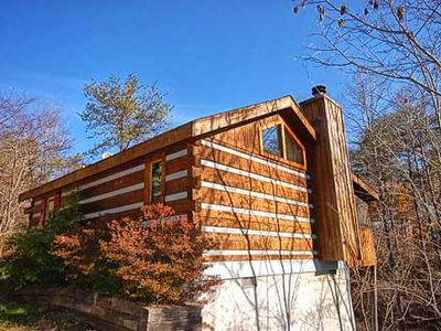 Photo for Bear Elegance pet friendly, WIFI cabin in Pigeon Forge