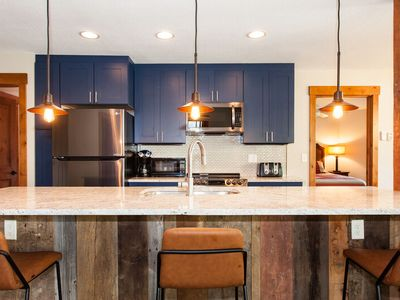 Roomy Home w Fantastic Kitchen - Quick Access to Slopes - Discount Lift Tix