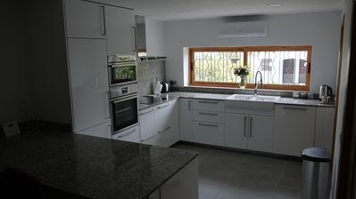 Fully fitted kitchen, refurbished in 2016