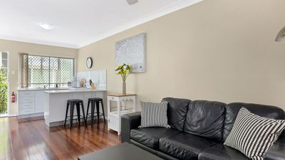 Photo for Sensational 1 Bedroom Apartment in New Farm