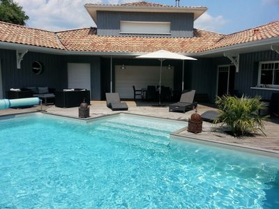 Photo for Villa with pool and jacuzzi
