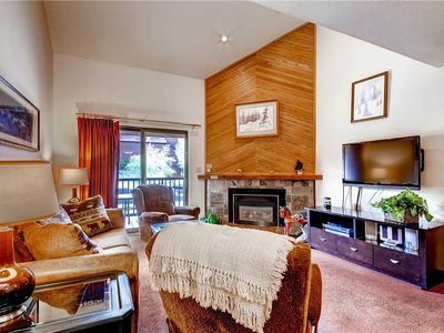 Photo for Spacious Condo w/Onsite Pool, Hot Tubs & Tennis Court, Great for Summer Getaway