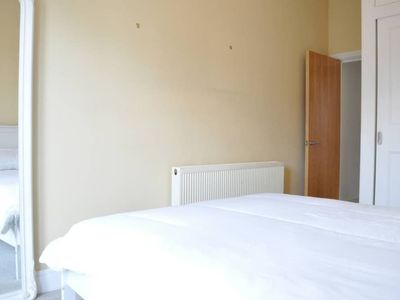 Photo for 2 Bedroom Apartment With Terrace in Clapham