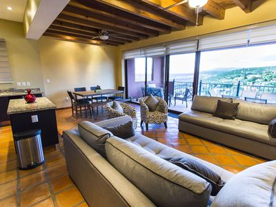 Photo for Spacious villa with an amazing view of San Miguel de Allende