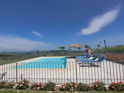 Photo for Private House with Pool, wi-fi, pet-friendly, air conditioning, Le Marche