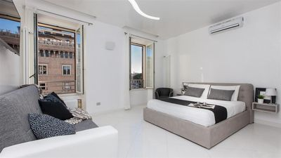 Photo for One bedroom Apartment, sleeps 5 with Air Con and FREE WiFi