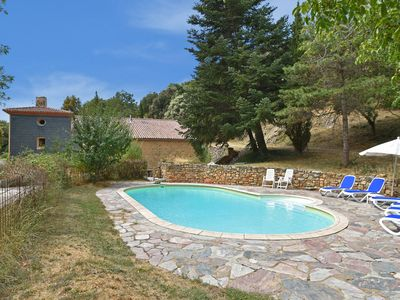 Photo for Renovated large family Mas with heated pool and diving board near Minerve