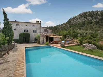Photo for 4 bedroom Villa, sleeps 8 in Pollença with Pool and WiFi