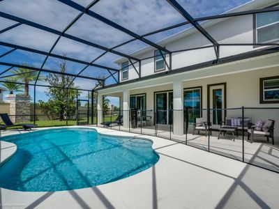 Photo for Magnificent Single Home with Private Pool SO2601