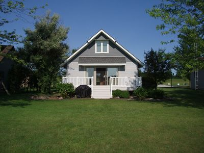 The Lake Is Calling Lakefront Cottage Rental On Clear Lake Indiana