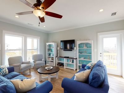 Photo for Fantastic beach house w/ beautiful gulf and bay views, free WiFi, & full kitchen
