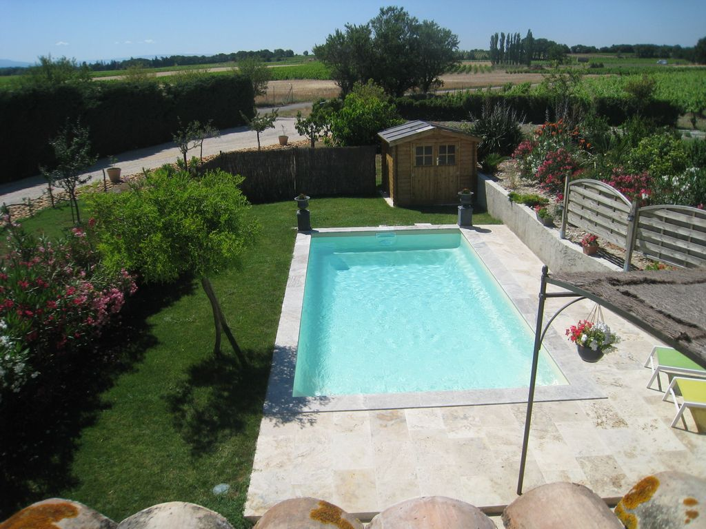 Attractive Between Avignon And Orange Provencal Cottage With Private Pool 5 People.