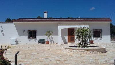 Photo for Spacious villa with pool, quiet location, 1 kilometer from town.