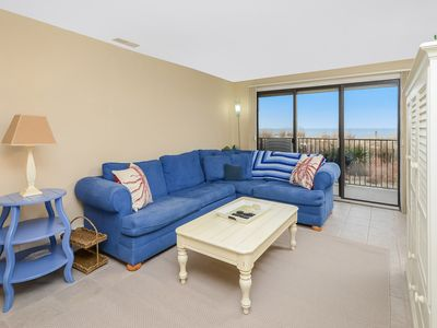 Spacious 3 Bedroom condo with large ocean front balcony!