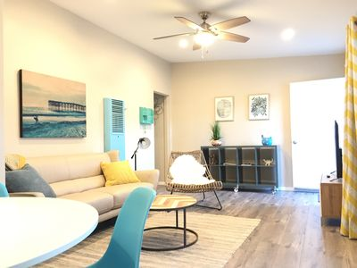 Photo for Terrific Palms/ Culver/ Venice 1br. apartment