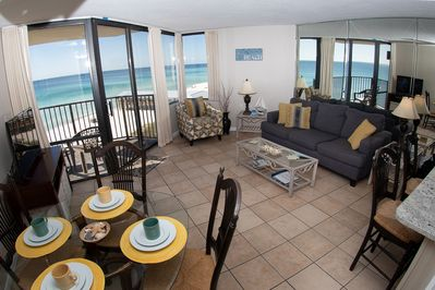 Ocean front condo with fantastic views!